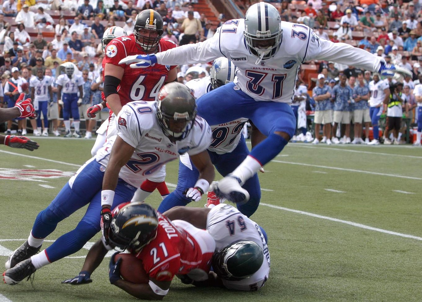1362px-2006_Pro_Bowl_tackle